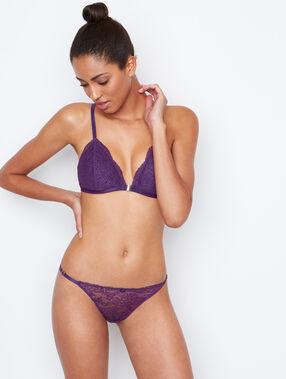 Culotte en dentelle violet.