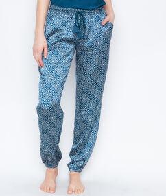 Pyjamahosen blau.