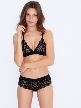 Wireless lace triangle bra black.