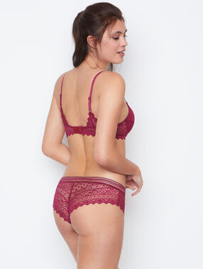 Shorty dentelle lila.