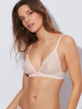 Lace wired triangle bra light pink.