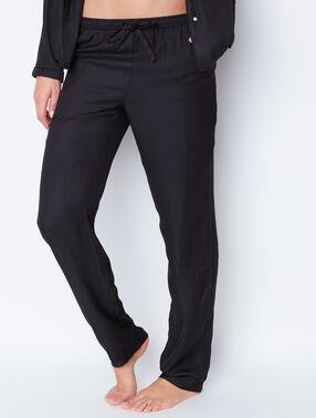 Pantalon fluide imprimé jacquard noir.