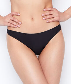 Micro thong, thermal bound trim black.