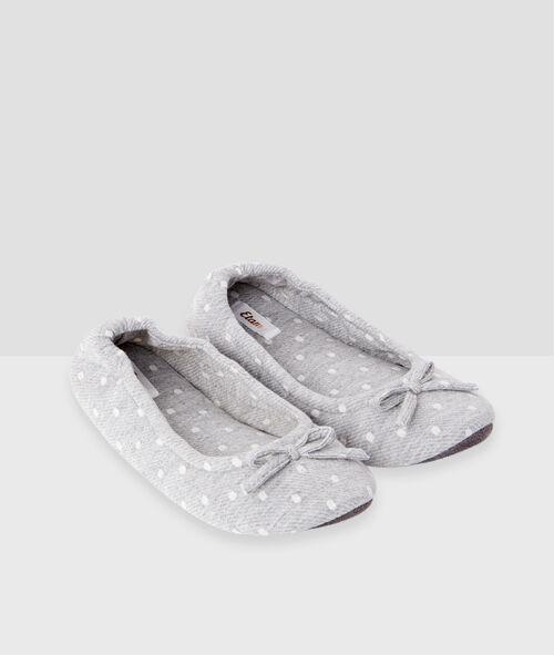 Ballet flats for travel;${refinementColor}