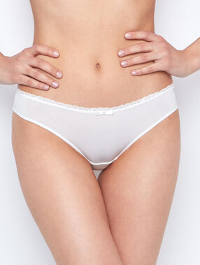 Lace and micro knickers white.