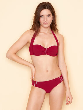 Shorty de bain unie rouge.
