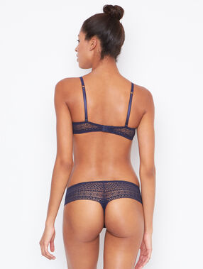 Lace string blue.