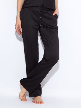 Flowing pyjama pants black.