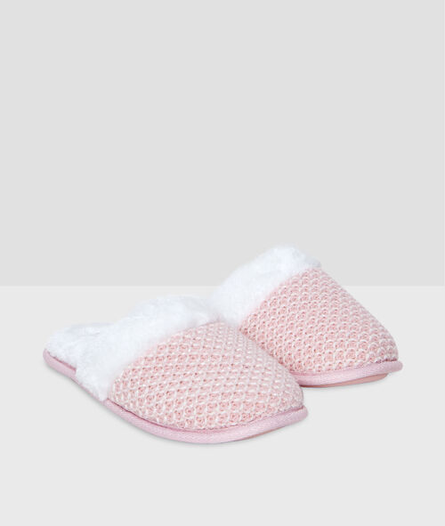 Knitted slipers