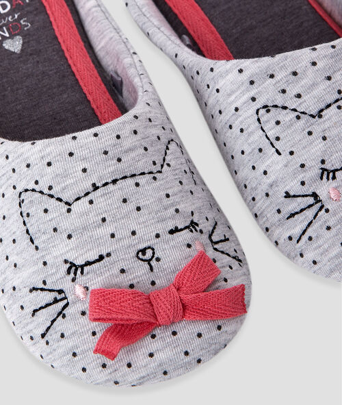 Cat slippers with little bow detail;${refinementColor}