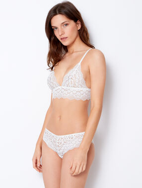 Wireless lace triangle bra white.