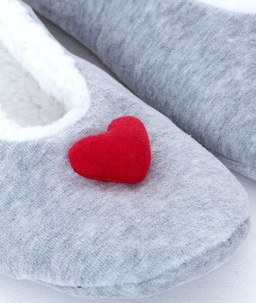 Heart slippers;${refinementColor}