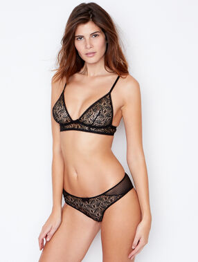 Lace triangle bra black.