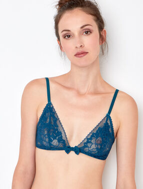 Wireless lace triangle bra green.