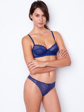 Lace demi cup blue.