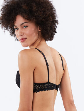 Lace padded demi cup black.