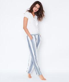 Pantalón holgado estampado a rayas azul.