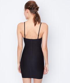 Krótka i wyszczuplająca sukienka-halka poziom 2: wysmuklona sylwetka noir.