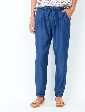 Pantalon carotte avec ceinture fluide medium denim.