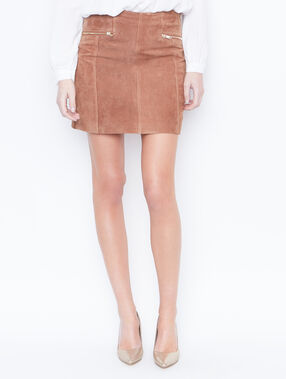 Skirt brown.