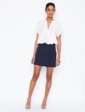 Structured skirt navy.