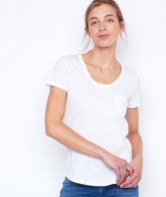 Camiseta manga corta de algodón blanco.