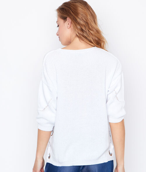 Round collar sweater