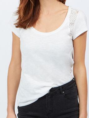 T-shirt en coton épaules dentelle blanc cassé.