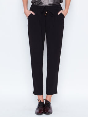 Carrot pants black.