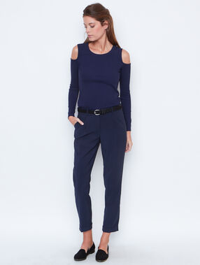 Cigarette trousers navy.