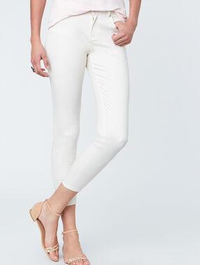 Capri pants off white.
