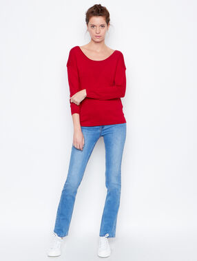 Round collar sweater red.