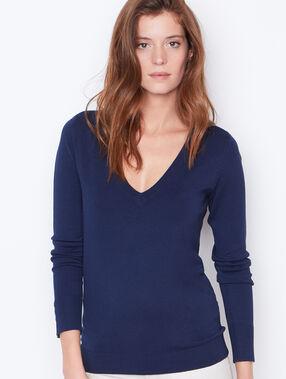 V-neck fine sweater navy.