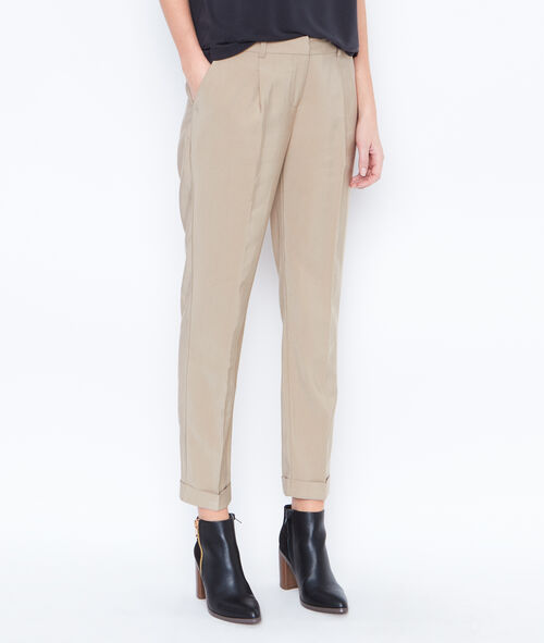 Cigarette trousers