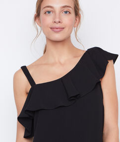 Flowing top black.