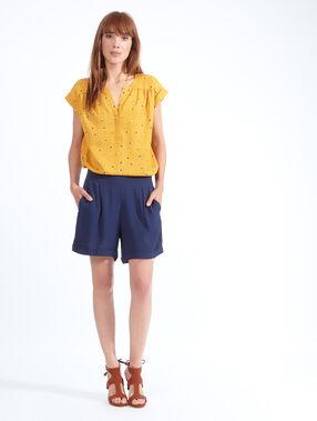 Shorts blue.