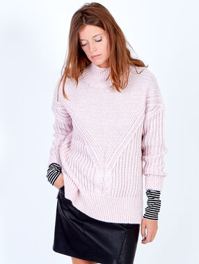 Chunky knitted jumper with slash neck light pink.