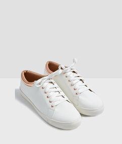 Sneakers croco blanc.