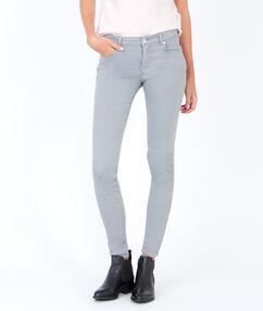 Pantalon skinny gris clair.