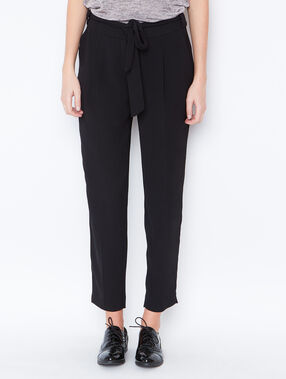 Belted pants black.