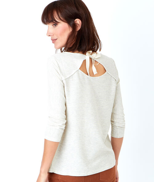 3/4 sleeve top with round colla open tie back detail