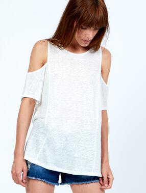 T-shirt épaules dénudées blanc cassé.