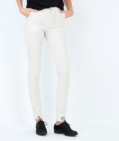 Pantalon droit en coton blanc.
