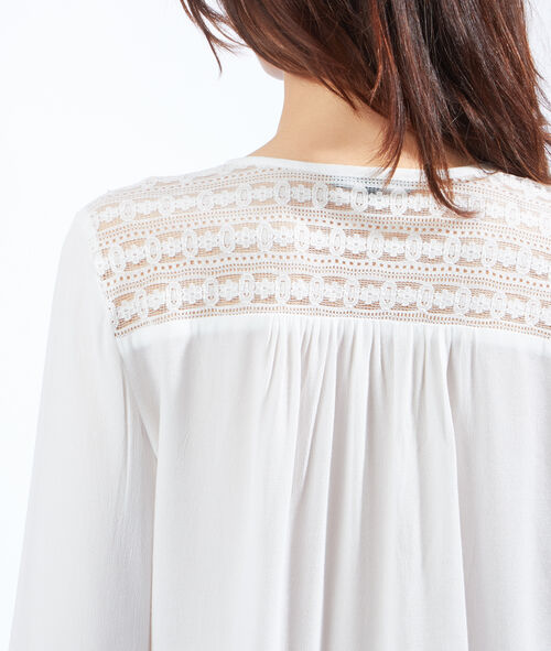 Blouse with lace insert