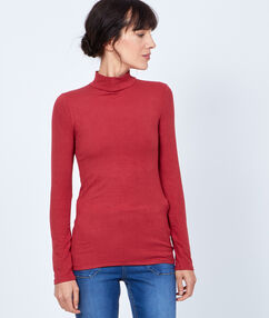 Long sleeves top red.