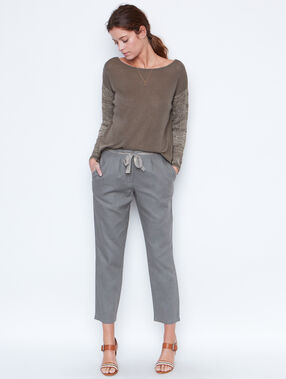 Pantalon en lin, ceinture brillante kaki.