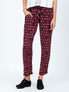 Printed pants red.