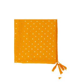 Foulard imprimé triangles dorés moutarde.