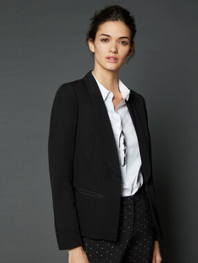 Blazer with slim lapel black.