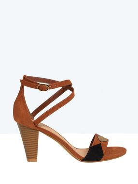 Sandales en suédine, détails géométriques camel.